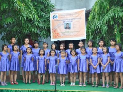 girls-during-felicitatio-api